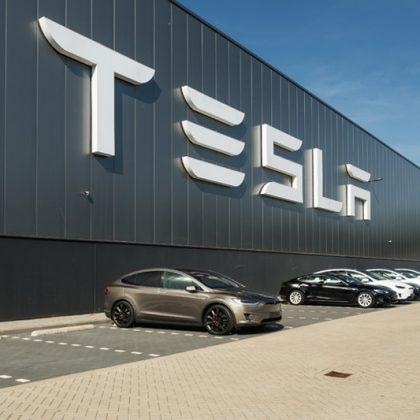 Investiția pe Tesla a fost închisă cu profit de 21.77%